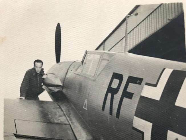 «Così ho volato sulla Guerra»L'ultimo pilota compie 100 anni
