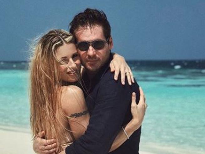 Cartoline  dalle Maldive: Michelle Hunziker in vacanza con Tomaso