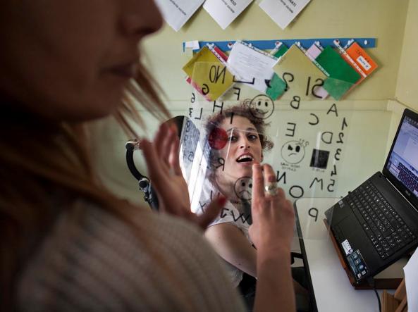 Letizia, 32 anni, affetta da tetraparesi spastica