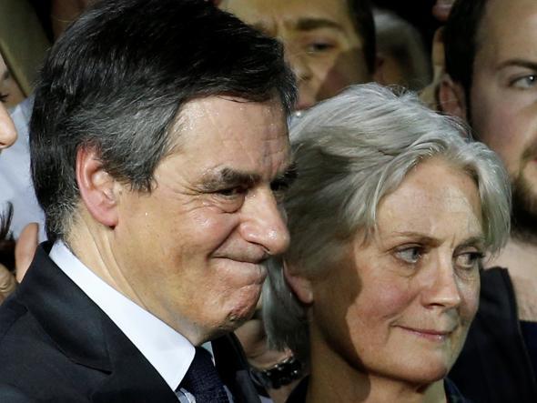 Francia: Fillon, inchiesta estesa a due figli