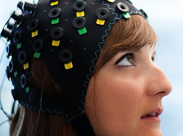 Pazienti paralizzati con sindrome locked-in parlano con il cervello