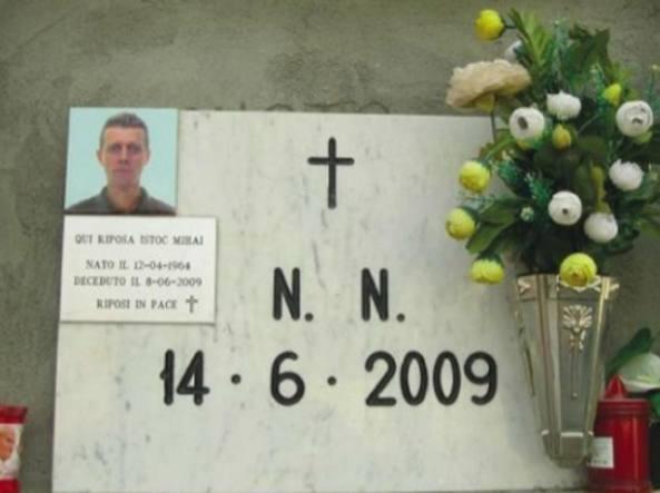 La tomba di Mihai Istoc (foto La Nuova Provincia)