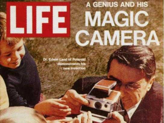 Polaroid Cool Cam Red, ritorno al futuro