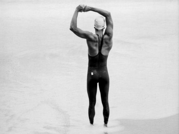 Il nuotatore statunitense Jordan Wilimovsky fotografato da Jay Clendenin