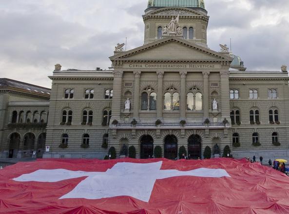 Svizzera 528 permessi di soggiorno per meriti fiscali a for Permesso di soggiorno svizzera
