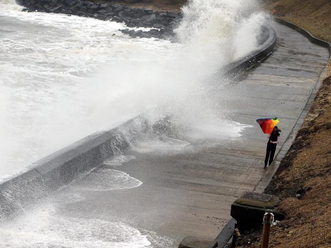 Gran Bretagna,  la tempesta Doris: venti a 150 all'ora e piogge Foto