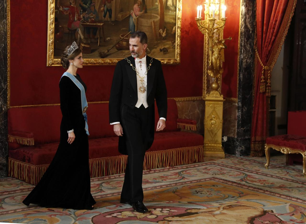 Letizia e juliana icone di stile a palazzo reale for Palazzo in stile spagnolo