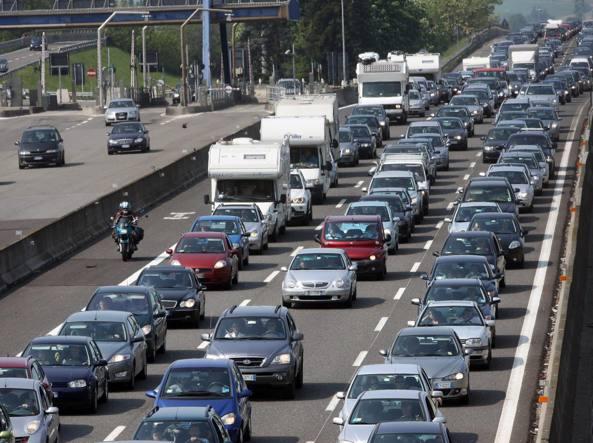 Documenti auto: sarà uno solo, addio carta di circolazione e cdp
