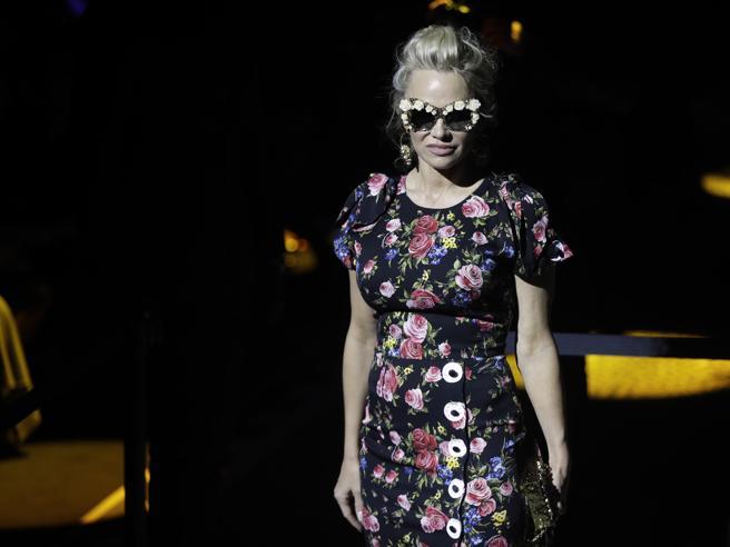 Settimana della moda, le top model in centro a Milano. E si rivede Pato