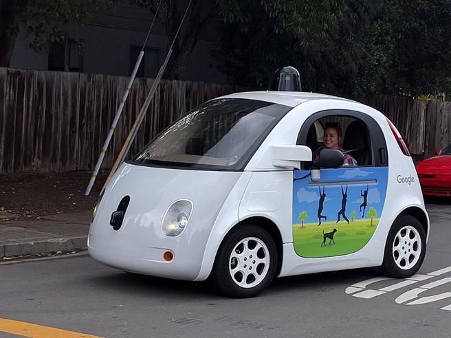 Google accusa: «I progetti dell'auto senza pilota rubati e poi finiti a Uber»