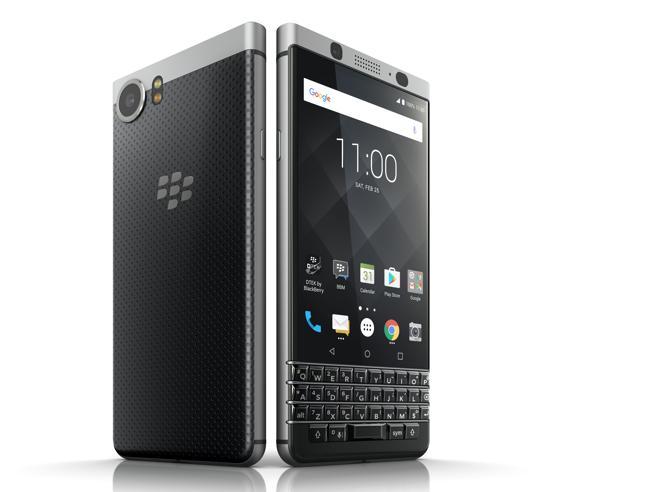 Mobile World Congress 2017, BlackBerry torna con KEYone: tastiera fisica e Android