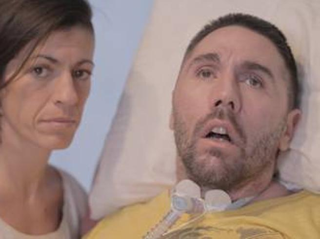 Dj Fabo arrivato in Svizzera«Vuole il suicidio assistito»