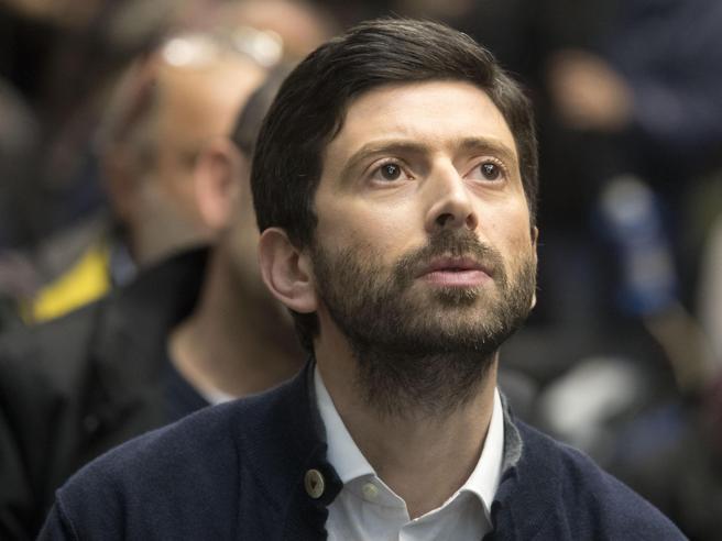Speranza  attacca: «Renzi ha distrutto PdGentiloni non tema noi, ma Matteo»Guerini:  «Via l'odio, parlino del Paese»