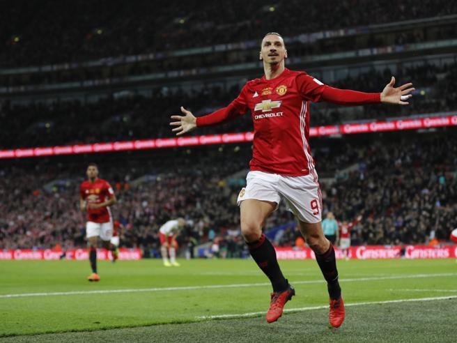 Inghilterra, Coppa di Lega al Manchester United: 3-2 sul Southampton. Doppietta di Ibrahimovic, super Gabbiadini non basta