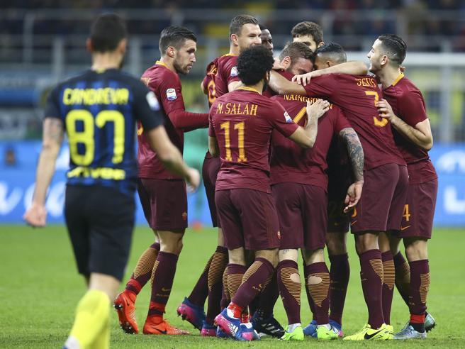 Serie A, Inter-Roma 1-3: doppio Nainggolan e Perotti, Pioli si ferma
