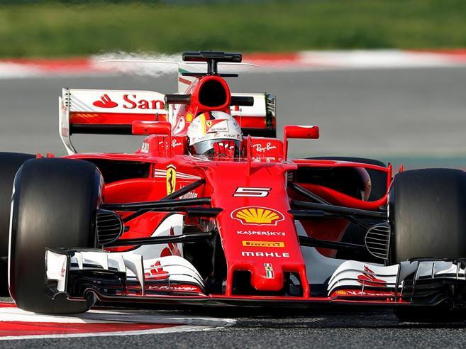 Formula 1, primi test a Barcellona: la Ferrari a un decimo dalla Mercedes