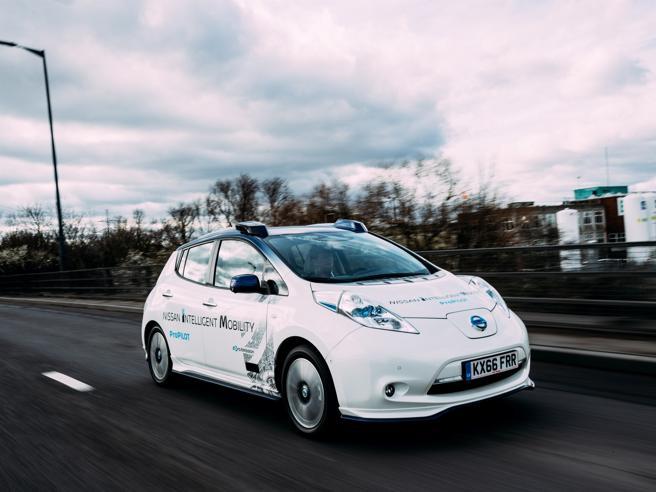 Nissan porta l'auto a guida autonoma sulle strade di Londra