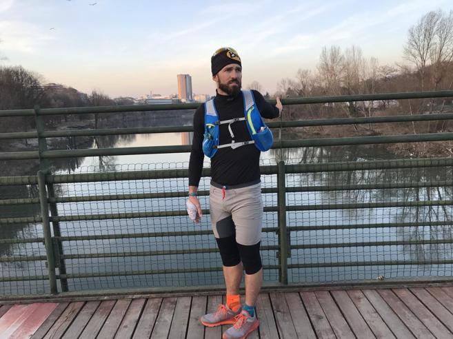 Michele, vita da agente ultratrailerCasa, tribunale e... 25 km al giorno
