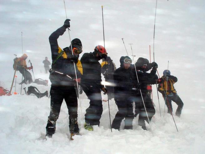 Tre valanghe in Alto Adige: uno sciatore morto, uno gravissimo
