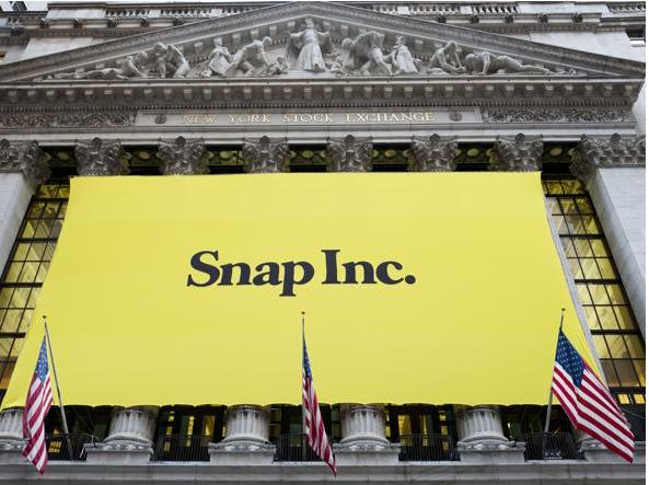 Il simbolo di Snap al New York Stock Exchange (Ap)