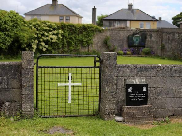 Orrore in Irlanda, ritrovati i resti di centinaia di bambini