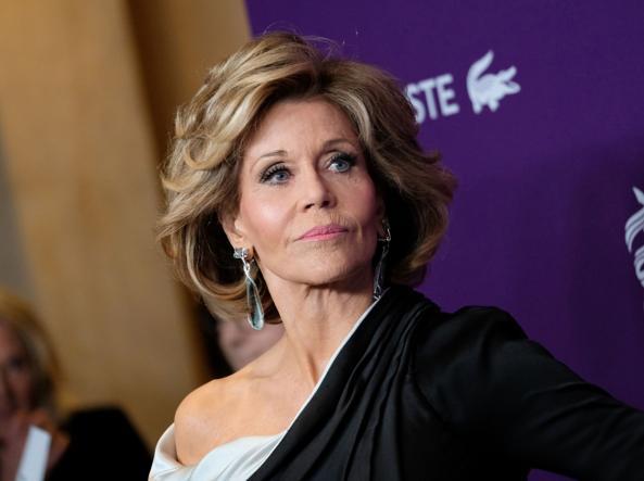 Jane Fonda stuprata da bambina: 'Pensavo fosse colpa mia'