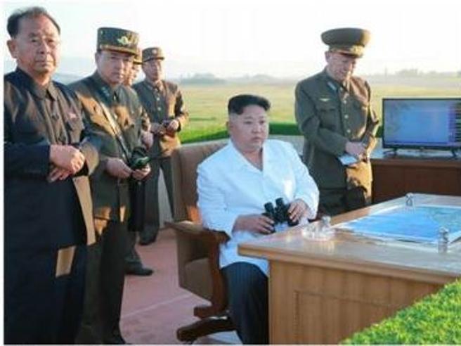 Corea del Nord, il regime di Kim Jong-un: dai lanci di missili alle parate ufficiali