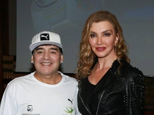 Maradona e Milly Carlucci a nel 2005, quando l'ex calciatore partecipò come concorrente a «Ballando»