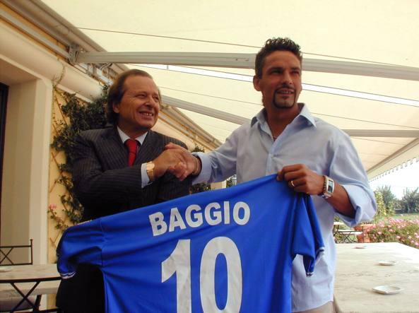 Gino Corioni nel settembre 2000 insieme con il calciatore Roberto Baggio, appena ingaggiato dal Brescia Calcio