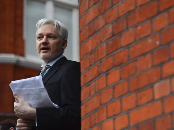 Julian Assange, fondatore di Wikileaks, soggiorna da anni nell'ambasciata dell'Ecuador a Londra (Afp)