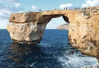 Gozo si sgretola azure windows l arco di roccia icona dell isola - La finestra azzurra gozo ...