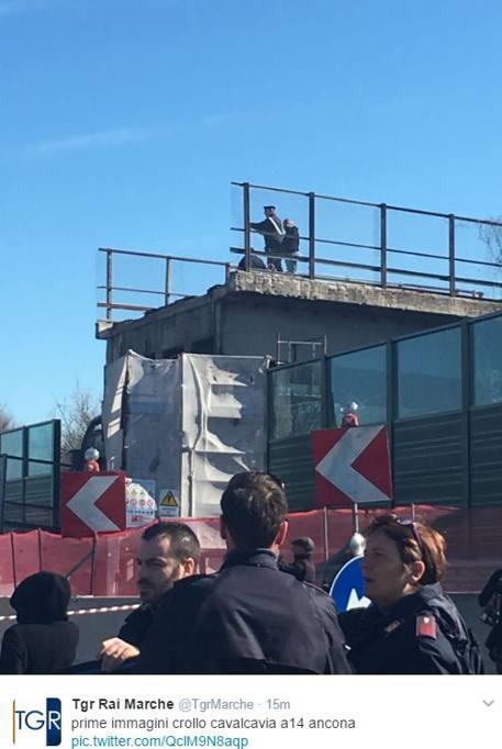 Ancona crolla ponte sulla a14 due morti e due feriti for Ponte sopra i disegni del garage