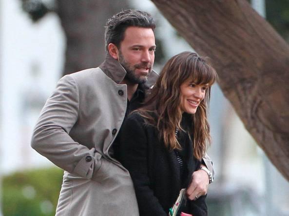 Ben Affleck e Jennifer Garner abbracciati nel 2014 (Olycom)