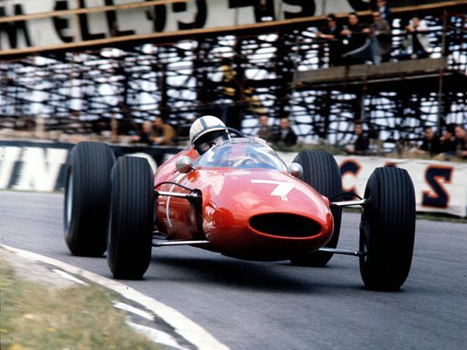 Addio a John Surtees, fu campione di F1 con la Ferrari nel 1964 e 7 volte iridato delle due ruote