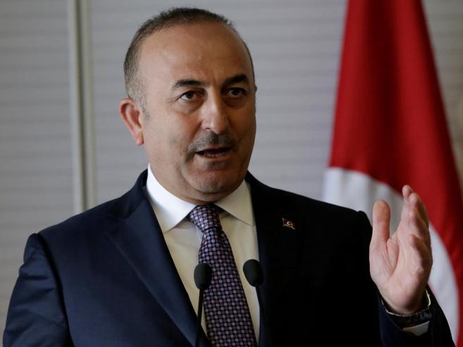 L'Olanda blocca il volo    al  ministro  turco L'ira di Erdogan: «Residui nazisti»