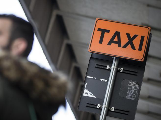 Uber invita i tassisti al dialogo ma loro rifiutano: nuovo sciopero il 23 marzo