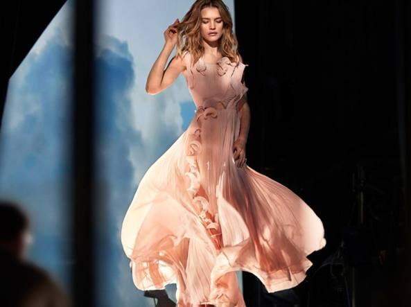 La top model Natalia Vodianova per il brand svedese (www.hm.com)