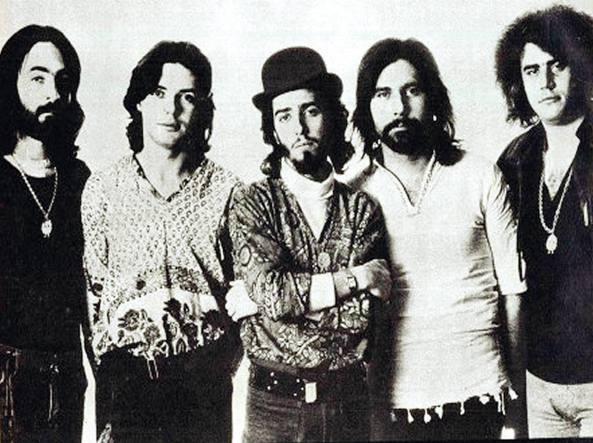 La prima formazione della Premiata Forneria Marconi. Nella foto, da sinistra, Franz Di Cioccio, Mauro Pagani, Flavio Premoli, Giorgio Piazza (lasciò nel 1973) e Franco Mussida