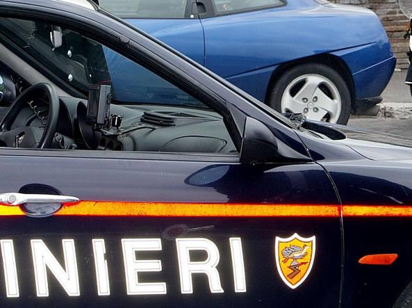Una «gazzella» dei carabinieri in una foto di repertorio (Ansa)