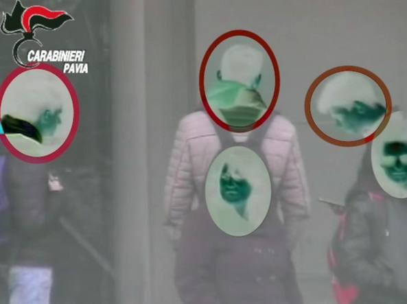 Un frame del video dei Carabinieri sulla baby gang sgominata dai Carabinieri a Vigevano (Ansa)