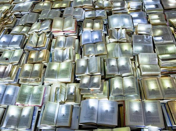 Literature VS Traffic, installazione realizzata con luci al led dal collettivo Luzinterruptus nelle strade di Melbourne nel 2012