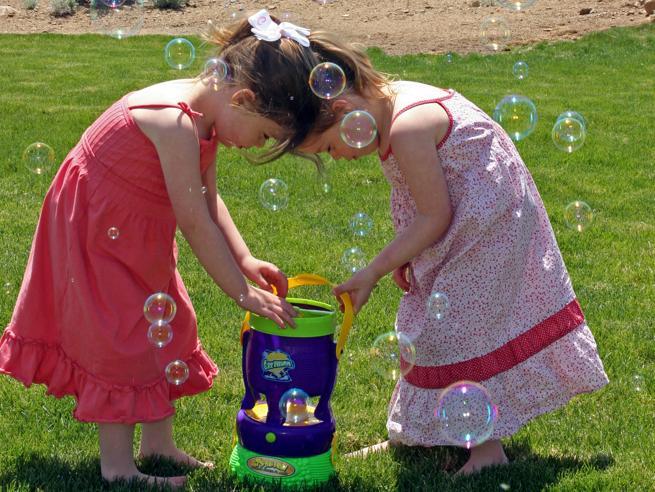 Genitori-scienziati scoprono il farmaco che salva la vita alle loro due bambine