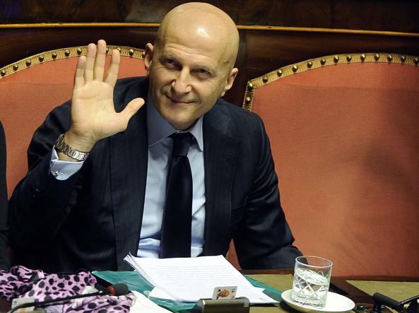 Minzolini, Senato boccia decadenza: per M5S