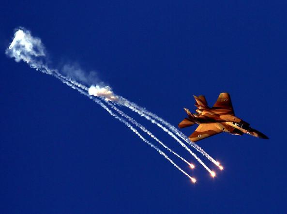 Guerra aerea tra Siria e Israele: il mistero del jet abbattuto