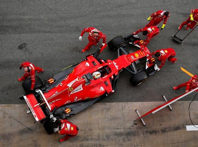 F1, al via la stagione a MelbourneSupermacchine e nuove regole e la Ferrari prova l'attacco a Mercedes
