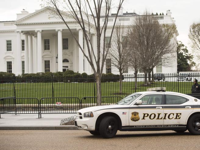 Allarme bomba alla Casa Bianca, fermata una personaPotenziata la sicurezza