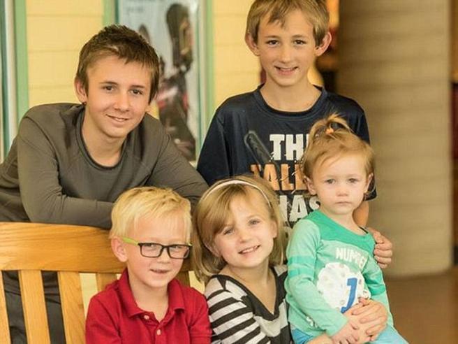 I cinque fratelli del Kansasche cercano famiglia insieme (e il record di offerte)