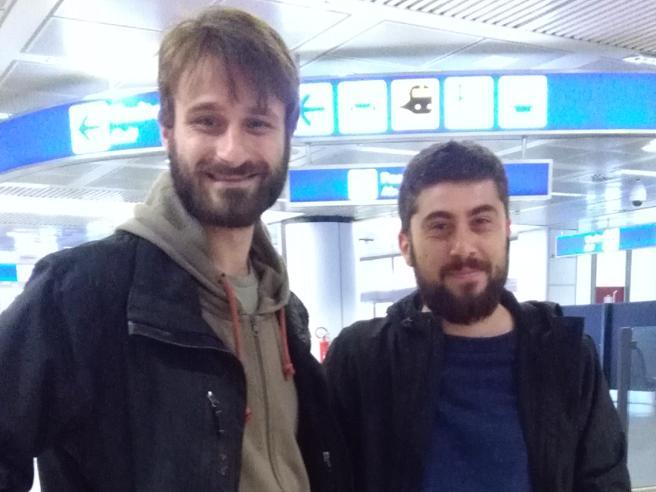 Atterrati nella notte a Romai due giornalisti di Report arrestati mercoledì in Congo