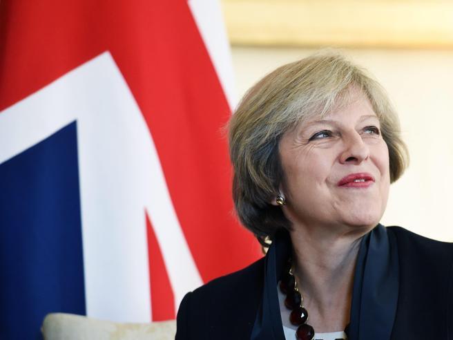 Brexit, Londra ha scelto: dal 29 marzo via all'iter per uscire dalla Ue Cosa cambia