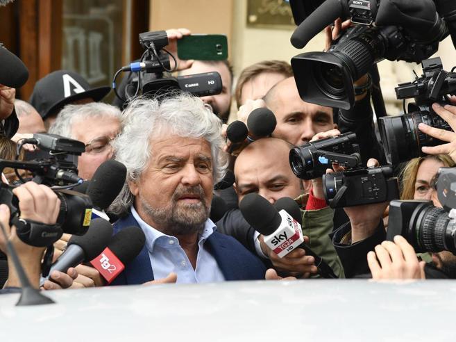 M5S, Grillo e il  dissenso: «Chi non è  d'accordo sulle regole si crei un altro partito»